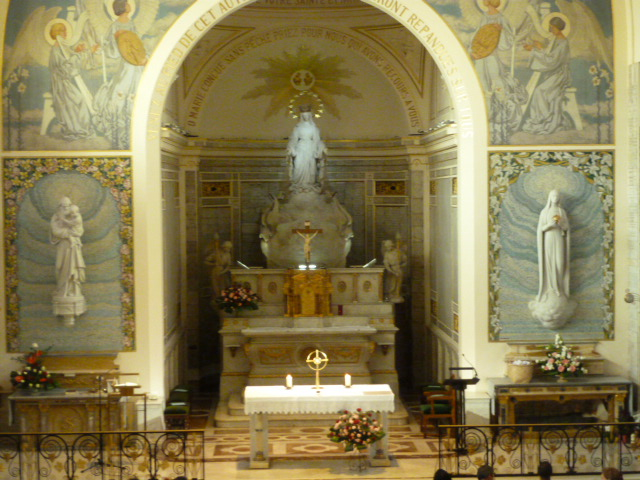 Chapel of the Miraculous Medal (6)