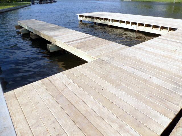Dock (8)