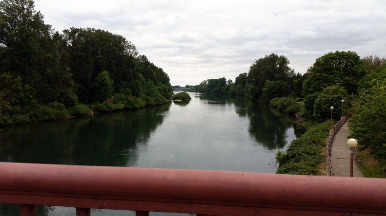 willamette-river-eugene-or